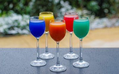 Alcolici sotto i 21 gradi: storia di cocktail, limiti e sfide